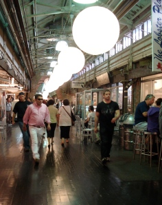 The main concourse of Chelsea Market, with lots of tables where you can stuff your face.