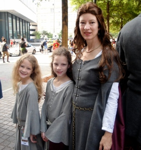 Catelyn Stark and her adorable daughters!